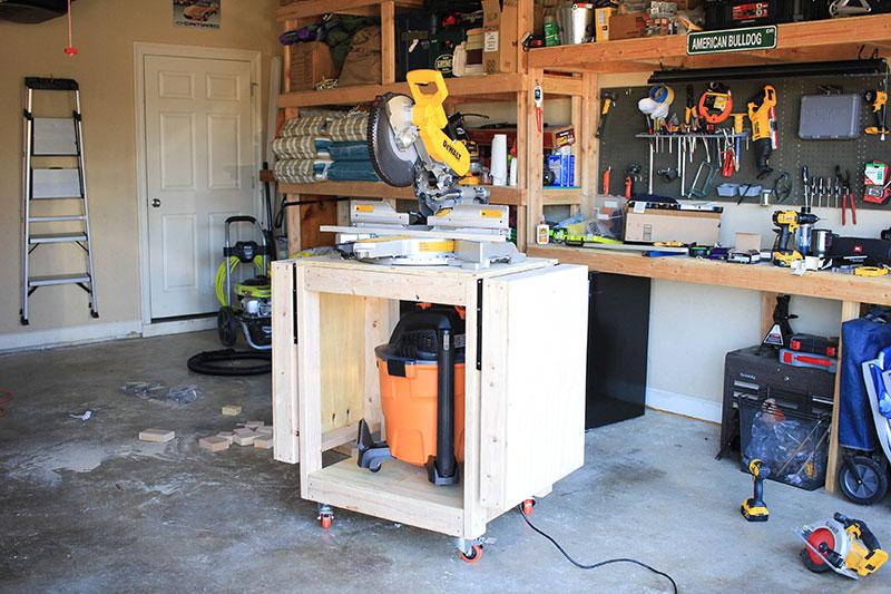 DIY miter saw table with shop vac shelf