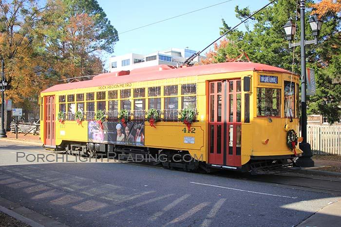 Yellow Metro streetcar Little Rock